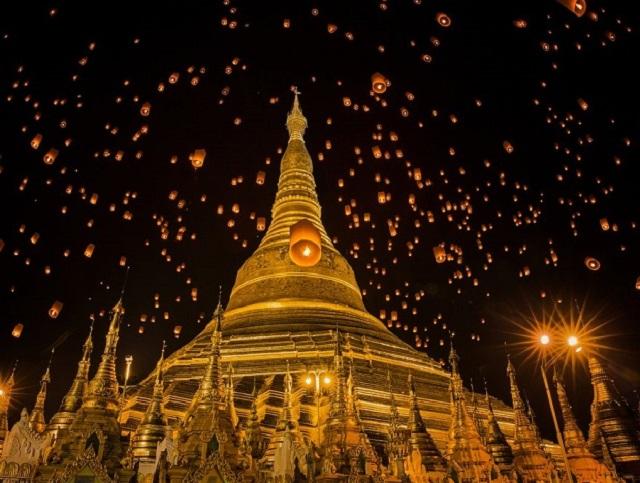 Myanmar glitters in the biggest October Festival
